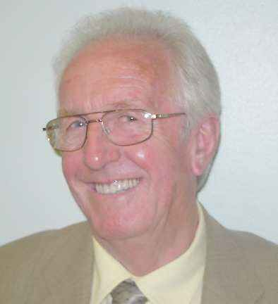 photo - link to details of Councillor Robert Sweetland